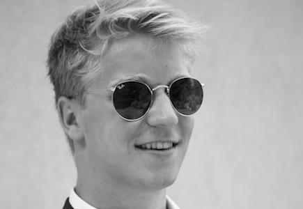 male-mdoel-Männermodel-blond-Model-mieten-model-buchen-laufsteg-shootings-professionelle-models